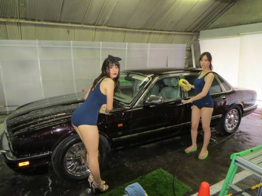 洗車サービス女
