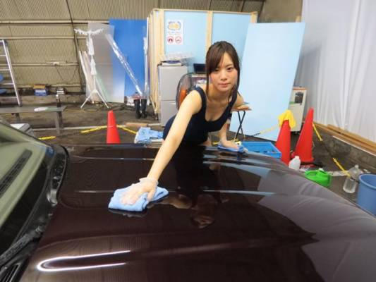 美少女スクール水着洗車