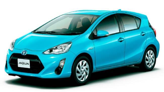 トヨタ アクア 11月販売台数前年比92.2%も1位をキープ