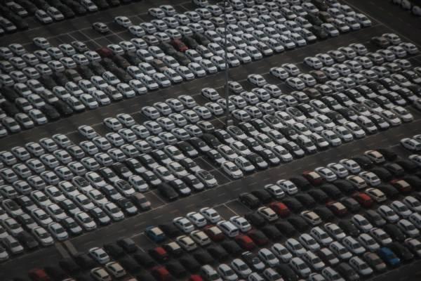 2月新車販売台数 新型プリウスが首位