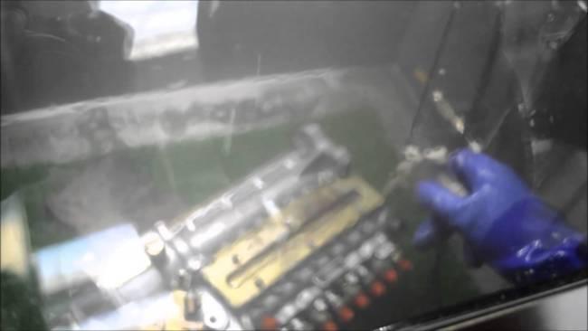 欧州で爆発的ヒット 密閉型パーツ洗浄機トレント