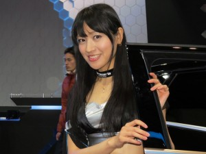 auto-salon2013-girl-23
