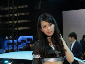 auto-salon2013-girl-24