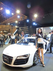auto-salon2013-girl-25